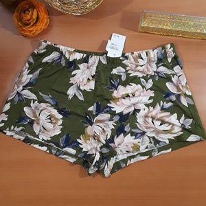soft fabric sleep shorts NWT! Cute floral print💐